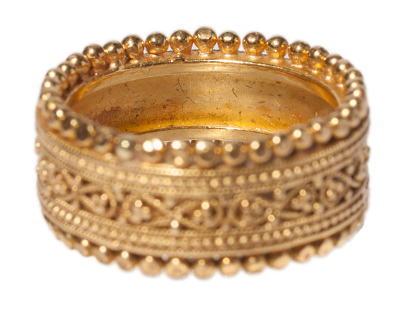 Gold Ring by Liz Lees(American Jewelry)