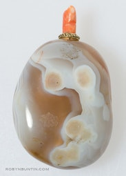 Agate Pebble Snuff Bottle